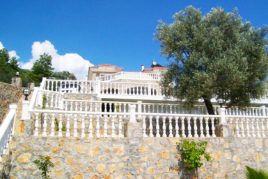 4 bedroom villa Uzumlu