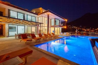 5-bedroom villa seaviews