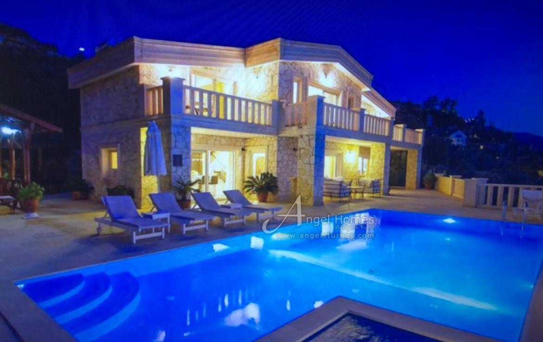 Stylish Villa with private beach