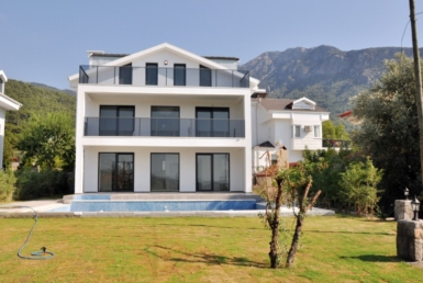 Luxury and Modern 4 bedroom villas