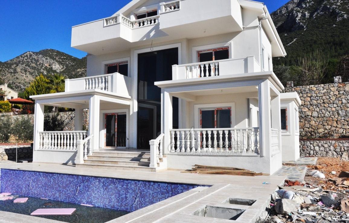 4 bedroom new villa