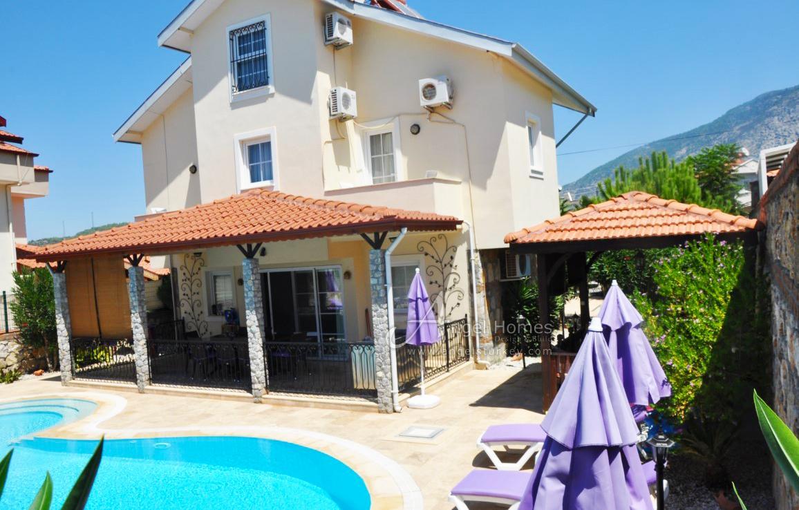 4 bedroom traditional villa